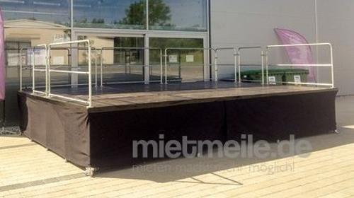 Bühne 6x4 m Nivtec-System mit Geländern