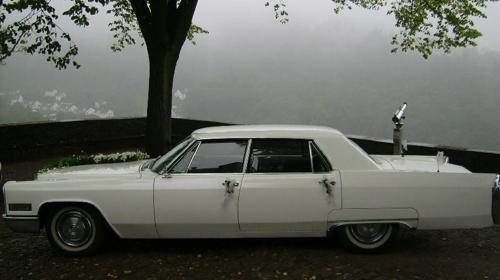 Cadillac Fleetwood Oldtimer Hochzeitsauto in weiß