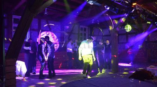 DJ inkl. Musik & Licht-Anlage für 250 Personen