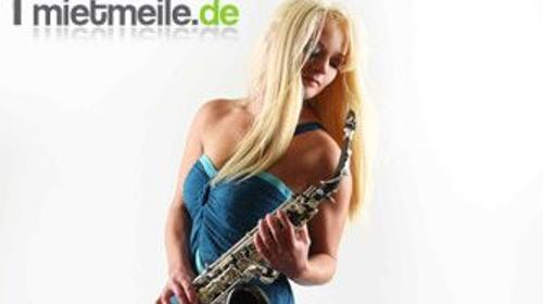 Saxophonist Saxophonistin Kathrin Eipert