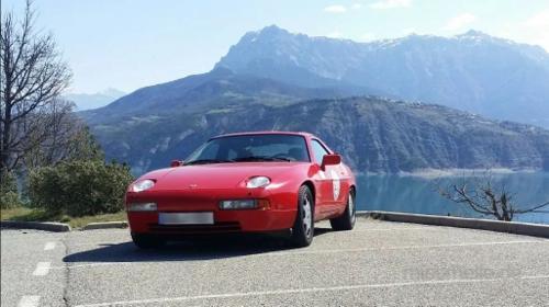 Porsche 928 S4, Super-Sportwagen der 90er Jahre
