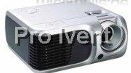 Beamer: Acer PD100D