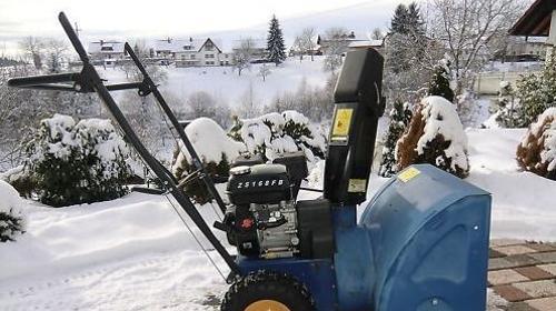 Schneefräse incl. Bedienpersonal