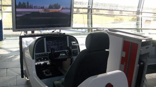 Flug Simulator, Flugsimulator, Flugsimulation auch mit VR Brille (HTC Vive) Virtual Reality verfügbar!