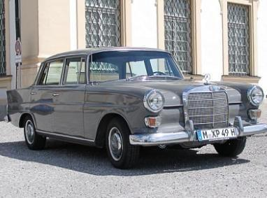 Mercedes mieten & vermieten - Der Mercedes 230 Heckflosse in Garching bei München