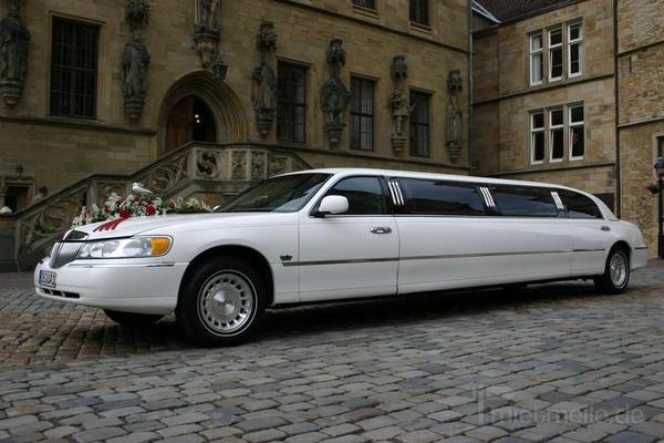 Limousinen mieten & vermieten - Lincoln Town Car Superstretchlimousine, 8,6 Meter, 2002 in Melle