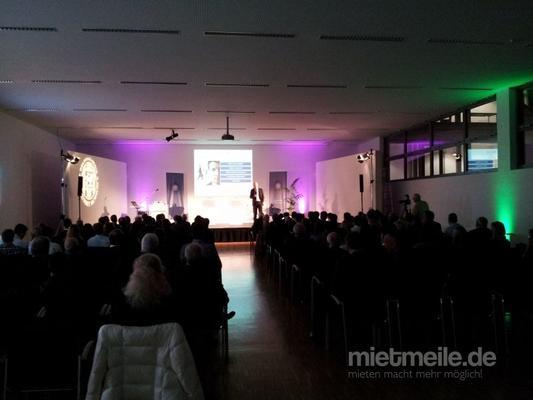 Beamer mieten & vermieten - Beamer Hitachi CPX 1250, 4500 Ansi in Braunschweig