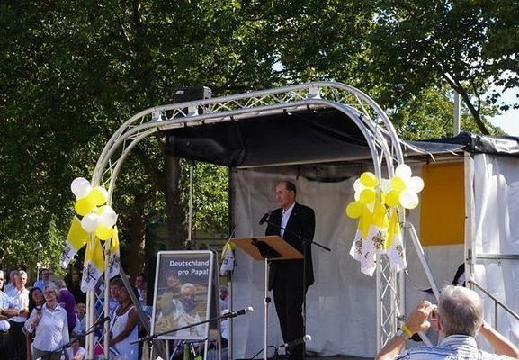 Bühne mieten & vermieten - Mobile Bühne Mobile Podest Mini Stage in Remchingen