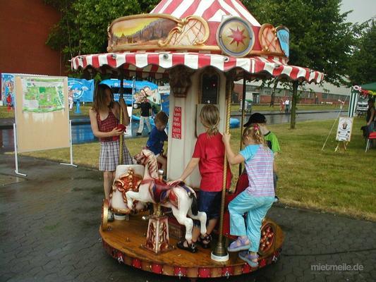 "Karussell mieten & vermieten - Mini Kinderkarussell ""Schlumpfkarussell"" 3 Kinder in Lehrte"
