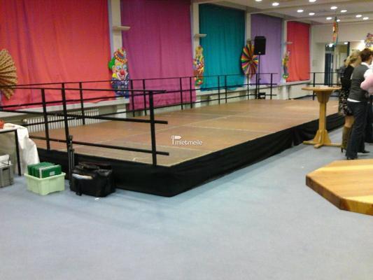 Bühne mieten & vermieten - Bühnen für jeden Anlass in Mönchengladbach