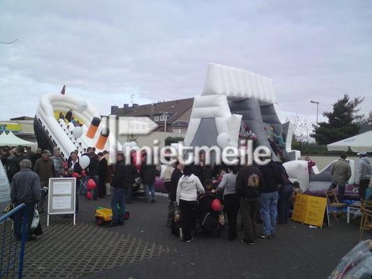 Hüpfburg mieten & vermieten - TITANIC mit EISBERG in Remscheid