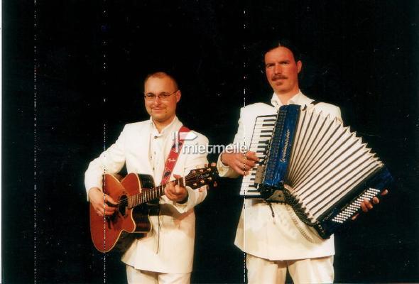 Bands mieten & vermieten - Klassische Miniaturen für Akkordeon und Gitarre in Halle (Saale)