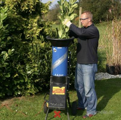 Häcksler mieten & vermieten - Elektro-Häcksler bis 4,5 cm cm Aststärke in Bad Nenndorf