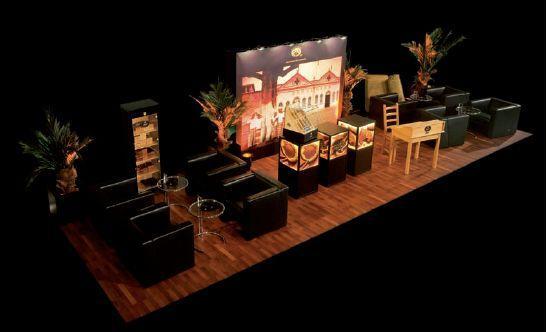 Catering mieten & vermieten - Grande Cigarrlounge mit Zigarrenrollerin und Sommelier/ Events/ Messe in Berlin