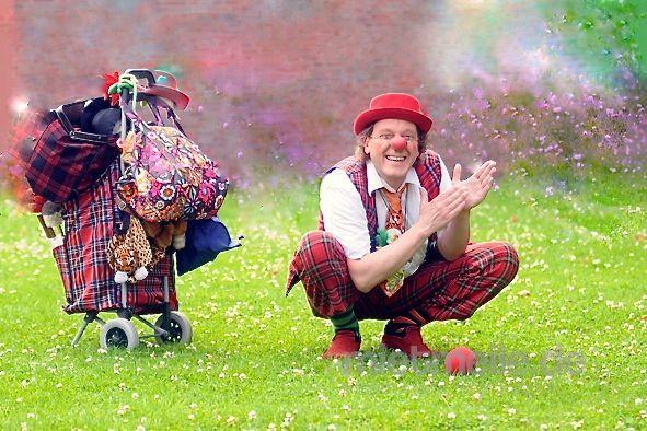 Clown mieten & vermieten - Clownerie, Zauberei und Theater  in Eutin