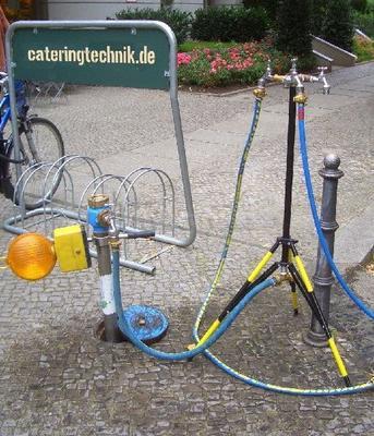 Catering mieten & vermieten - Trinkwasser - Wasserverteiler - Stativverteiler in Berlin