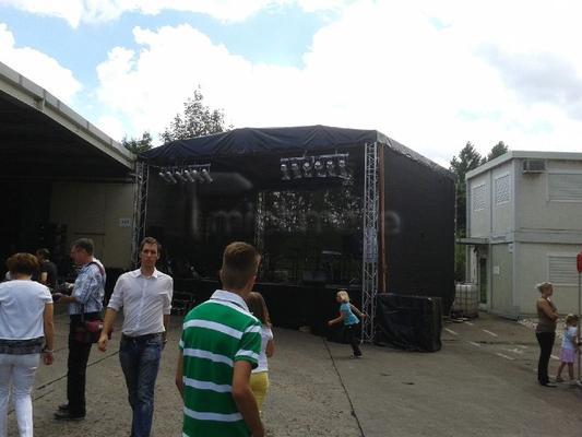 Bühne mieten & vermieten - Bühne 4,0 x 6,00m mit Dach und Line Array in Eibelstadt
