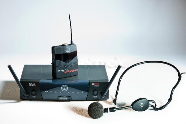 Mikrofon mieten & vermieten - AKG Funkmikrofon Headset (Kopfbügelmikrofon) in Hamburg