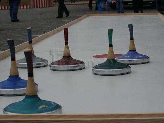 Curlingbahn mieten & vermieten - Curling- / Eisstockbahn inkl. 1 Betreuer (6 Std.) in Augustdorf