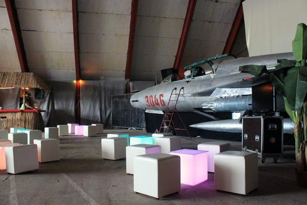 Hochzeitslocation mieten & vermieten - Event-Hangar Erlebnislocation in Berlin