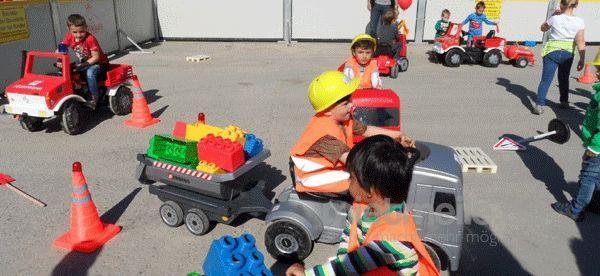 Funcars mieten & vermieten - Kart, Tretcars, Tretautos, Kinderflugzeuge Kinderbaustelle Parcours verleih, mieten in Göppingen