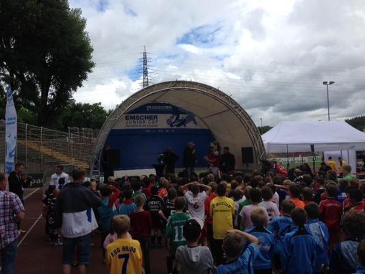 Bühne mieten & vermieten - Rundbogenbühne 6x4m; Open-Air Bühne in Bochum