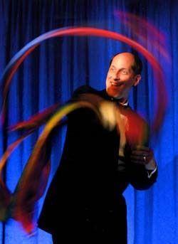 Magier & Zauberer mieten & vermieten - Zauberzeit mit Humor - mit Zauberer Jerry - Tischzaubereien  in Sinzig