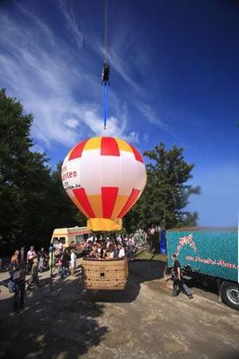 weitere Eventmodule mieten & vermieten - Ballon am Kran in Schwerin