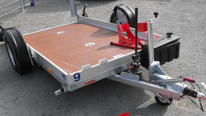 Motorradanhänger mieten & vermieten - Motorradanhänger absenkbar für 2 große Motorräder, Quads, etc. inkl. Zubehör in Oldenburg (Oldenburg)