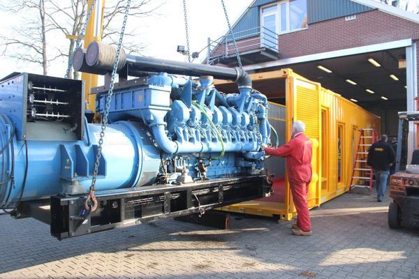 Stromversorgung mieten & vermieten - 2000 kVA Stromerzeuger im Container schallgedämpft in Neuenhaus