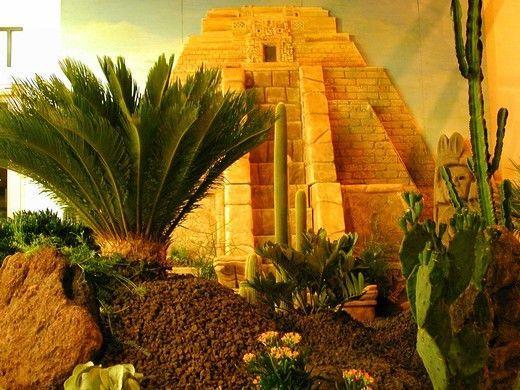 Kulissen mieten & vermieten - Inka Tempel Szenerie, Inkatempel, Tempelanlage, Tempel, Azteken, Mayas, Maya, Inka, Südamerika, Ureinwohner, Urvolk in Kamp-Bornhofen
