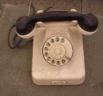 Requisiten mieten & vermieten - Drehscheibentelefon, Drehscheibe, Telefon, Scheibentelefon, Ringtelefon, Oldschool, 70er Jahre, Dekoration, leihen in Kamp-Bornhofen