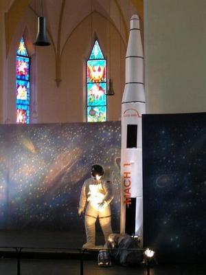 Dekofiguren mieten & vermieten - Weltraum Rakete XXL, Rakete, Weltraum, Weltall, All, Raumfahrt, Raumschiff, Mondlandung, Astronaut, NASA, Dekoration in Lahnstein