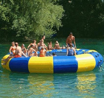 Wasserspiele mieten & vermieten - Wassertrampolin in Münnerstadt