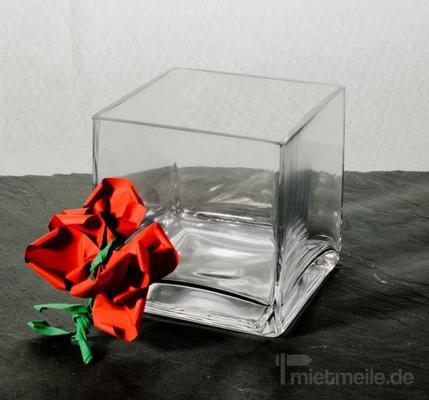 Tischdekoration mieten & vermieten - Blumenvase Glas Breite 10cm Tiefe 10cm Höhe 10cm in Rosenheim