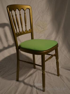 Stühle mieten & vermieten - Holzstuhl gold mit grünem Polstern in Rosenheim