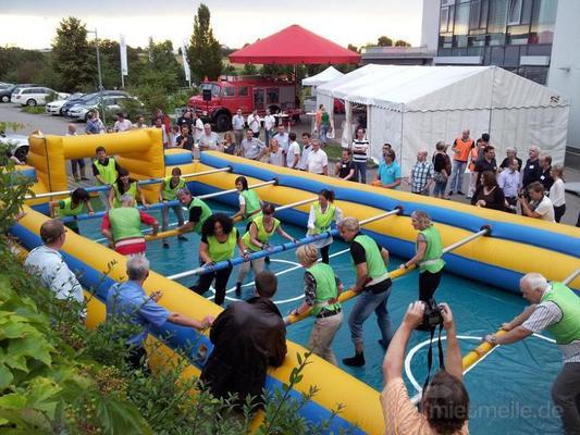 Menschenkicker mieten & vermieten - Lebendkicker ~ XXL Kicker ~ Menschenkicker ~ Human Table Soccer in Rheinmünster