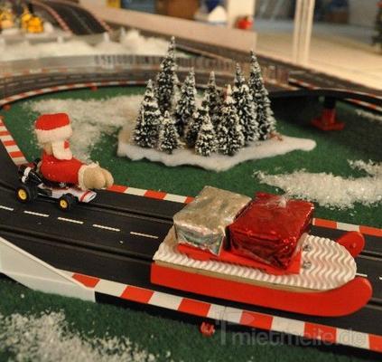Carrerabahn mieten & vermieten - Santa Race - weihnachtliche riesige Carrera Rennbahn inkl. 19% MwSt. in Münnerstadt