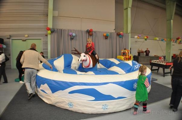 Bullriding mieten & vermieten - Rentierrodeo - Simulator - Weihnachtsrodeo mieten in Schwerin