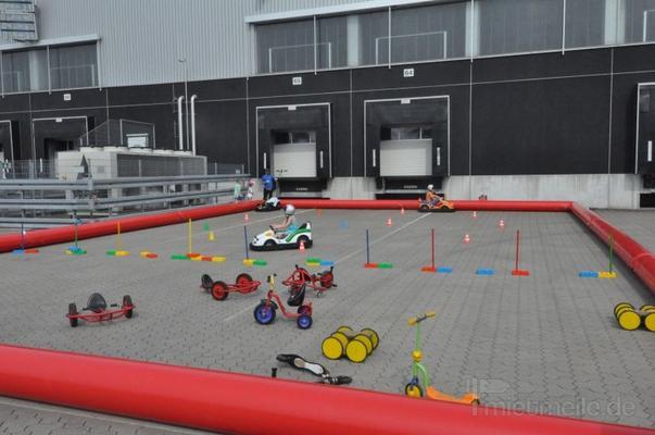 Funcars mieten & vermieten - Fahrparcours - Kinderautoparcours mieten in Schwerin