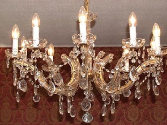 Leuchten & Lampen mieten & vermieten - Kronleuchter - die besondere Beleuchtung in Reinstädt