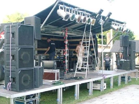 Bühne mieten & vermieten - Bühne zum dranhängen ca. 6 x 4 m in Reinstädt