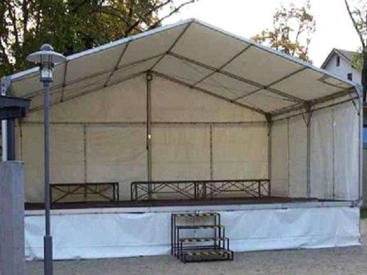 Bühne mieten & vermieten - Bühne mit Zeltüberdachung 8 x 6 m in Reinstädt
