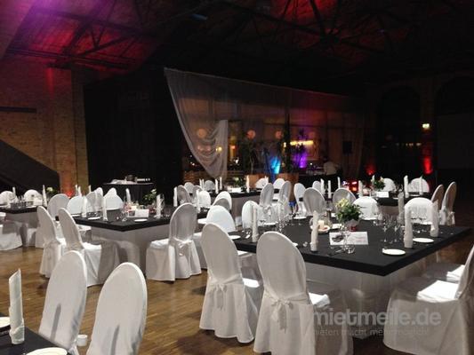 Hochzeitsdekoration mieten & vermieten - Hussen, Stuhlüberzug, Stuhlhussen in Berlin