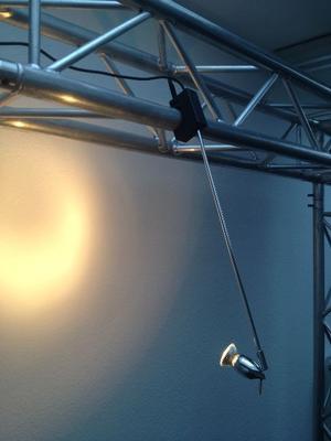 Leuchten & Lampen mieten & vermieten - Design Auslegestrahler / Displayleuchte in Chrome  in Ratingen