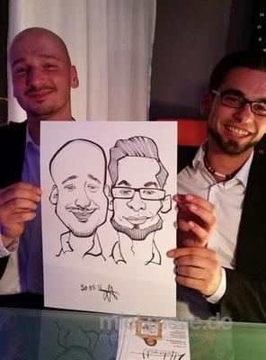 Schnellzeichner mieten & vermieten - Schnellzeichnerin und Karikaturustin LUCY HOBRECHT in Kassel
