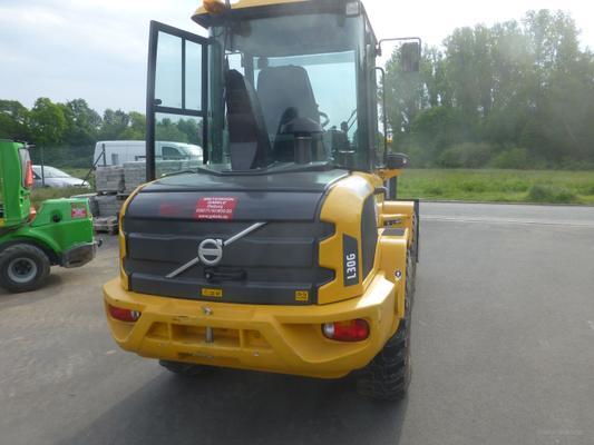Radlader mieten & vermieten - Radlader, Volvo L30 in Dieburg