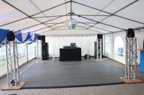 Tanzboden mieten & vermieten - Tanzfläche 9 x 9 m inkl. Auf und Abbau / Tanzboden / Tanzfläche / Abdeckboden / Tanzparkett in Neumünster