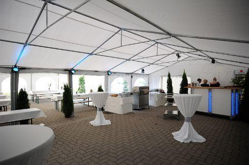 Pflanzen mieten & vermieten - Lounge - Blumensäule / Blumensäule / Blumen / Dekoration in Neumünster