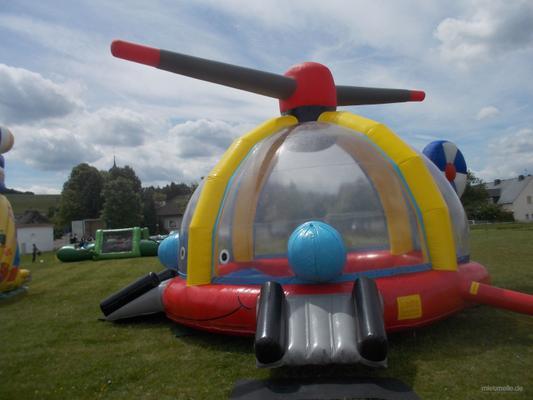 Bällebad mieten & vermieten - Hubschrauber, Hüpfen und Bällebad in Püttlingen